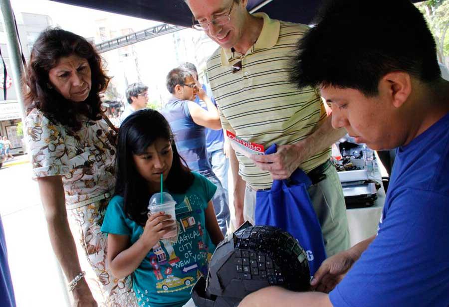 Dando a conocer la importancia de la Robótica un trabajo en conjunto con la Municipalidad de Miraflores