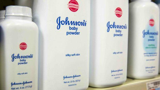Johnson & Johnson afronta condena millonaria debido a su talco